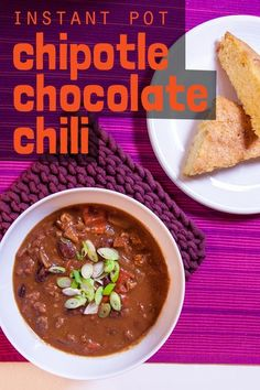 This chili has exceptional depth and richness from bitter unsweetened chocolate and smokin' hot chipotle peppers. Easy Healthy Dinners, Easy Healthy Recipes, Chocolate Chili, Smart Nutrition, Dump Meals, Slow Cooker Desserts, Unsweetened Chocolate, Food Science, Cooking Light
