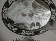 15 Haunted DIY Halloween Mirrors | Shelterness plus a lot more neat stuff...