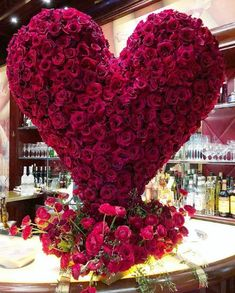 Best Gifts For Him Basket Flower 25 Ideas Beautiful Rose Flowers, Love Flowers, My Flower, Gift Baskets For Him, Best Gifts For Him, Valentines Flowers, Flower Decorations, Wedding Designs, Red Roses