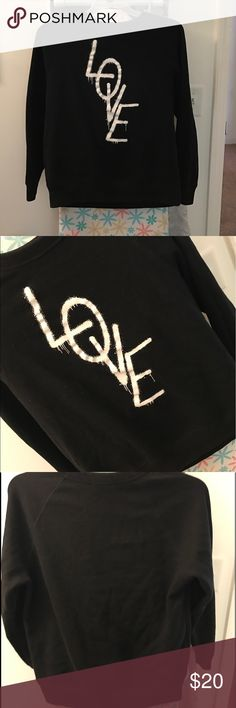 FOREVER 21 SWEATSHIRT Excellent condition.  No flaws.  Great for winter and fall. Forever 21 Tops Sweatshirts & Hoodies