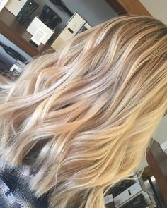 30 Greatest Blonde Hair Colors in Honey, Dirty, Ash & Platinum blonde balayage hair color And Beauty Cute Blonde Hair, Blonde Hair Shades, Blonde Hair With Highlights, Brown Blonde Hair, Going Blonde, Black Hair, Blonde Wig, Blonde Honey, Copper Blonde
