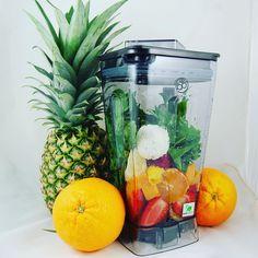 Leckere Smoothie Zutaten! #smoothiezutaten #smoothie #smoothiemaker #smoothiemixer #ananas #orange #erdbeeren #rucola #obst #gemüse #lecker #gesund #vegan #Mixer by smoothiemixer.de