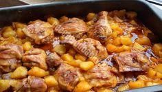 Zapečené kuracie stehná so zemiakmi a omáčkou v jednom - Recepty od babky Food Porn, Special Recipes, Chicken Wings, Poultry, Curry, Menu, Rodin, Healthy, Ethnic Recipes