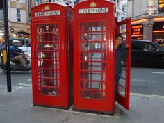 Foto: Diana M Tovar Osorio Aberdeen, Jukebox, Diana, Locker Storage, Phone, Home Decor, Scotland, Cabins, London