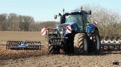 New Holland T7 310 Blue Power 310hp http://www.agromachinery1.com/video_listing/new-holland-t7-310/