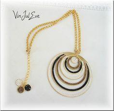 Je kif, je kif, je kif trop.......... Parure GalatsiAvec le collier de 7cm de diamètre, un bracelet au montage pas très orthodoxe, et des...