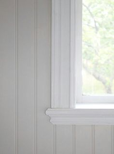 Stylish finish on the windowsill, pearl bead. Jag kanske vill ha bredare spontb…, Stylish finish on the windowsill, pearl bead. Beddinge, Shabby Chic Bedroom Furniture, Modern Furniture, Furniture Design, Wooden Panelling, Moldings And Trim, Swedish House, Scandinavian Home, Old Houses