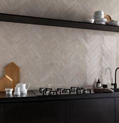 Cosmic Ivory Polished Porcelain Marble Look Tile Küchen Design, Design Case, Interior Design, Black Kitchens, Home Kitchens, Modern Kitchens, Rustic Kitchen, Kitchen Decor, Happy New Home