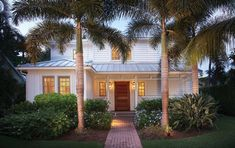 This traditional Old Florida style home, built in 1914, has a wealth of southern charm — but updating the home provided architects with some ...