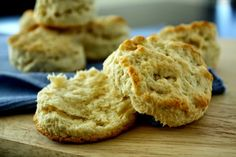 Flaky Buttermilk Biscuits || So flaky, they peel off in layers!