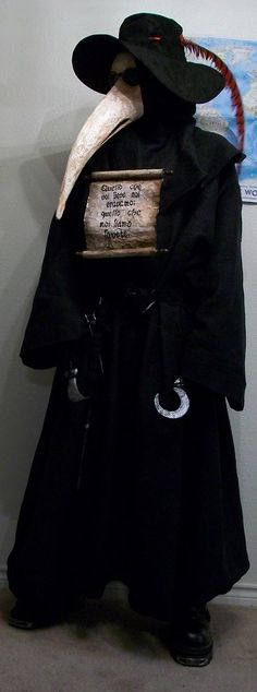"""doctor during the plague years, an artistic depiction of their masks. """"During the period of the Black Death and the Great Plague of London, plague doctors visited victims of the plague. Great Plague Of London, Plague Mask, Doctor Costume, Plague Doctor, Doctor Mask, Black Death, Cosplay, Halloween Disfraces, Macabre"""