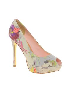 Drool-able shoes - Enlarge Ted Baker Fluuri Printed Peep Toe Shoes Fancy Shoes, Pretty Shoes, Me Too Shoes, Zapatos Peep Toe, Peep Toe Shoes, Latest Fashion Clothes, Fashion Shoes, Fashion News, Style Fashion