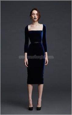 Autumn-Winter 2018 - POEM that lipstick color . Elegant Dresses, Pretty Dresses, Beautiful Dresses, Dress Skirt, Dress Up, Mode Glamour, Moda Vintage, Velvet Fashion, Short Dresses