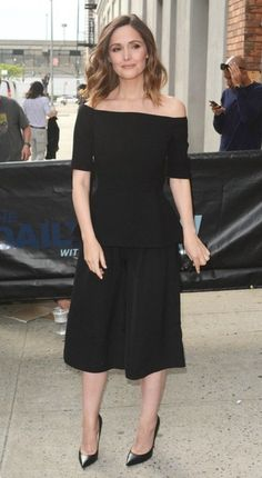 Rose Byrne Wide Leg Pants - Rose Byrne complemented her top with black culottes, also by Lela Rose.