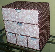 Gaveteiro organizador com 5 gavetas em mdf revestido com tecido 100% algodão e acabamento interno em E.V.A. www.nikiatelier.elo7.com.br