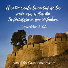 """""""El sabio escala la ciudad de los poderosos y derriba la fortaleza en que confiaban."""" Proverbios 21:22  #MFuerteClamor #MFC #MisionerosDelFuerteClamor www.facebook.com/MFuerteClamor"""