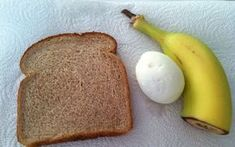 Когда у вас нет времени для здорового питания, эта диета является выходом. 1 день Завтрак: черный кофе или чай, 1 вареное яйцо, 1 ломтик тоста, 1 банан Обед: половина тунца (около 100 гр.), тост Ужин: одно яблоко, две маленькие сосиски День 2 Завтрак: кусок ржаного хлеба с маслом, 1 стакан