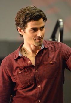 The ever stunning Matt Cohen in his red shirt of sexy - VanCon2015