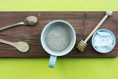 This adaptogenic Mocha Maca Mushroom Latte contains maca and mushrooms to help boost immunity, improve energy and recovery Coconut Sugar, Coconut Cream, Create A Recipe, Powdered Milk, What's Cooking, What To Cook, Meals For The Week, Vegan Gluten Free, Mocha