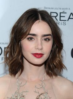 Hot hårtrend: Stjerner med pagehår - Lily Collins