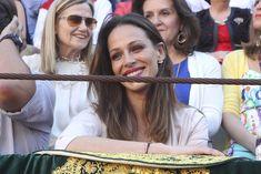 La complicidad de Lourdes Montes y Eva González en el mano a mano de los hermanos Rivera - Foto 5