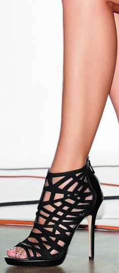 Straight up sexy! Black heel