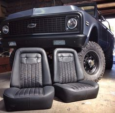 Travis Barker's K5 Blazer by @delmoxxx and seats done by @fatluckys. Beautiful upholstery!