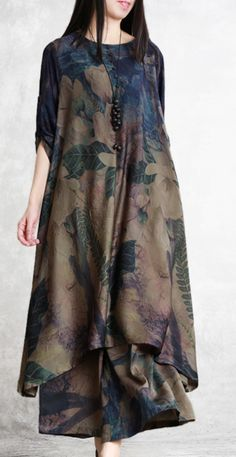 summer vintage silk fashion two pieces loose hem tops and wide leg pants Source by DressOriginal outfits indian Stylish Dresses, Women's Fashion Dresses, Women's Dresses, Casual Dresses, Dress Clothes For Women, Dress Shirts For Women, Muslim Fashion, Indian Fashion, Look Fashion