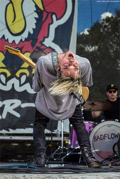 Josh Katz - Badflower at Earthday Birthday 26 / © Lizzy Davis Photography Music Journal, Earth Day Projects, Alan Ashby, Emo Bands, Rock Bands, Earth Day Activities, Jack Barakat, Halestorm, Mayday Parade