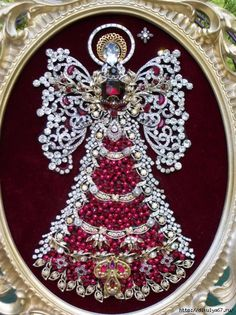 Vintage Rhinestone Jewelry Christmas Tree Framed Angel Art 18 x 13 - Vintage Schmuck Costume Jewelry Crafts, Vintage Jewelry Crafts, Vintage Costume Jewelry, Unique Jewelry, Vintage Jewellery, Jewellery Box, Vintage Rings, Jewelry Ideas, Jewelry Design