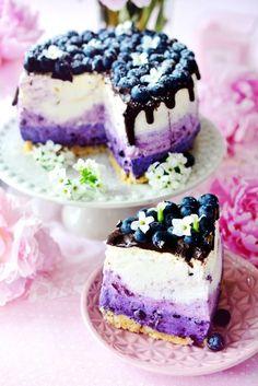 ein no bake ombre Mascarpone cheesecake mit Blaubeeren