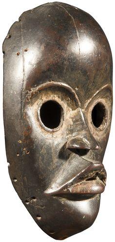 www.ader-paris.fr Collection du Dr M. Gosse Network Solutions, Ader, Business Profile, African Art, Auction, Skull, Liberia, Paris, Collection