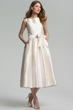 26 Under-$1K Wedding Dresses That Don't Look Cheap #refinery29  http://www.refinery29.com/63691#slide14