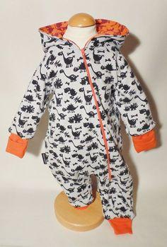 Vändsydd overall med övervik på ärmmudd Sewing Hacks, Sewing Tutorials, Sewing Patterns, Sewing Tips, Sewing Baby Clothes, Baby Sewing, Baby Jumpsuit, Baby Dress, Baby Barn