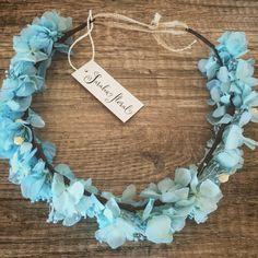 Corona para el pelo de hortensia preservada azul