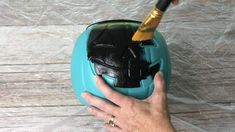 I had some plastic pumpkin buckets and I came up with 5 different ways to make them over. You can see more of my crazy creations here Pumpkin #1 -I sprayed it with black spray paint and let it dry. I then sprayed it with Rustoleum Stone spray paint and let that dry. I placed a witch hat on it and put it on display. I think it looks like faux concrete. Pumpkin #2 -I sprayed this pumpkin with Rustoleum Copper spray paint and let that dry. I added a mum plant inside and set him… Pumpkin Topiary, Diy Pumpkin, Pumpkin Crafts, Cute Pumpkin, Pumpkin Ideas, Stone Spray Paint, Copper Spray Paint, Black Spray Paint, Plastic Pumpkins