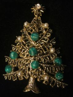 Old  Christmas  Tree  Pin   - Signed  HOLLYCRAFT in Jewelry & Watches, Vintage & Antique Jewelry, Costume, Designer, Signed, Other Designer Costume Jewelry | eBay