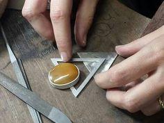 Aula de #joalheria artesanal ministrada por Sarah Silva. WWW.ESPMIX.COM.BR