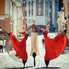Stilt Walker Dance Theatre Show