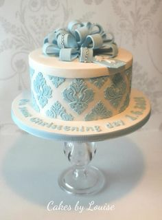 cakedecoratingtopcakes:  Hatbox style christening cake by Cakes-by-Louise …See the cake: http://cakesdecor.com/cakes/137056-hatbox-style-christening-cake