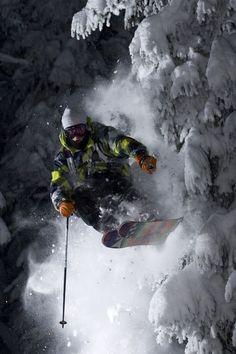 10 Most Dangerous Extreme Sports Ski Extreme, Extreme Sports, Alpine Skiing, Snow Skiing, Ski Ski, Ski Freeride, Trekking, Freestyle Skiing, Snow Fun