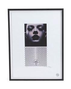 30x24 Framed Twiggy Fashion Print