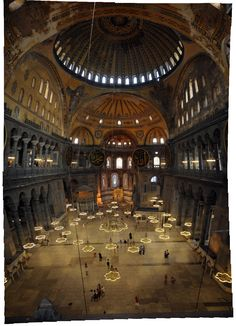 Inner Space of Hagia Sophia Church. The current building was originally constructed between 532 and 537 on the orders of the Byzantine Emperor Justini. Religious Architecture, Historical Architecture, Beautiful Architecture, Beautiful Buildings, Hagia Sophia, Sainte Sophie, Holiday Places, Museum, Ottoman Empire