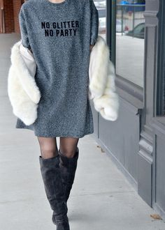 Party Style | NYE Outfit | New Years Eve Outfit | Fashion Blogger Outfit | Party Outfit | Faux Fur | Street Style | Blogger Style | Glitter Dress | Sparkle | Outfit Inspiration | New Years Resolutions | Goals for 2017 | 2017 Style