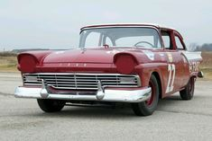 Nascar , Fireball Roberts'  1957 Ford.Oldschool Nascar Racers Had Power Nothing . Brakes, Steering , Coolsuits...