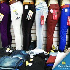 Tem como não ficar louca, olhando essas calças? Uma mais linda que a outra!   #TOP #CalçaJeans #FeirinhadaConcórdia #AMO #Fashion #Moda