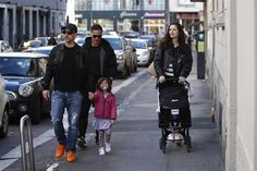Eros Ramazzotti e Marica Pellegrinelli con i figli @SplashNews