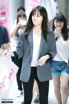Krystal. Kinda miss those bangs from My Lovely Girl era LOL.