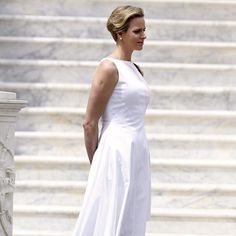 Fürstin Charlene von Monaco im 6. Monat schwanger – Wo ist der Babybauch? http://www.stylebook.de/stars/Fuerstin-Charlene-im-sechsten-Monat-schwanger-mit-kleinem-Babybauch-517313.html