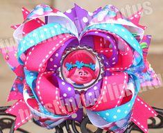 Trolls Hair Bow | Trolls Birthday Party Ideas | Trolls Birthday Ideas | Birthday Party Ideas for Girls | Girls Hair Bows | Twistin Twirlin Tutus #trollsbirthday